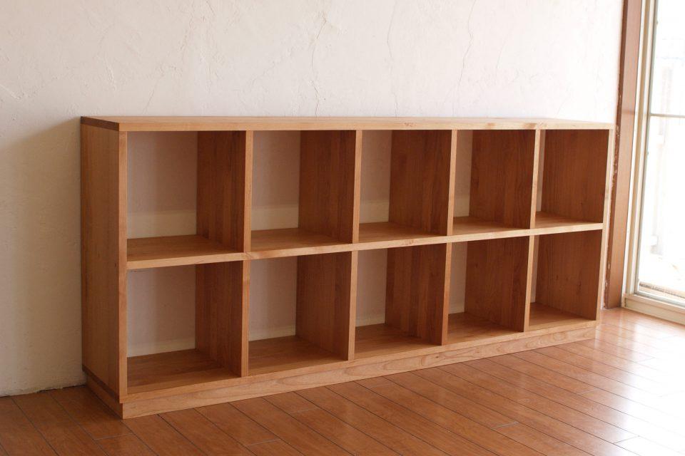 チョコ 子供本棚
