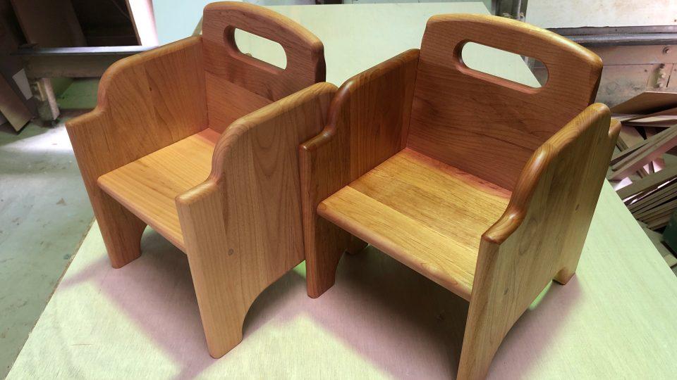 保育園椅子